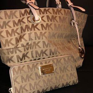 MK Jet Set Logo Tote W/ matching wallet
